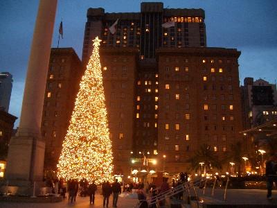 ユニオンスクエアのツリーとウェスティンセントフランシス
